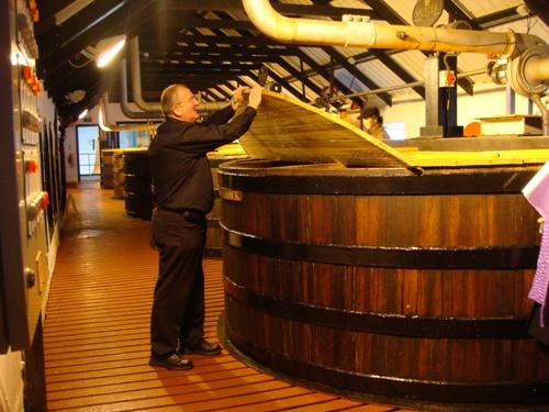 木桶の発酵槽